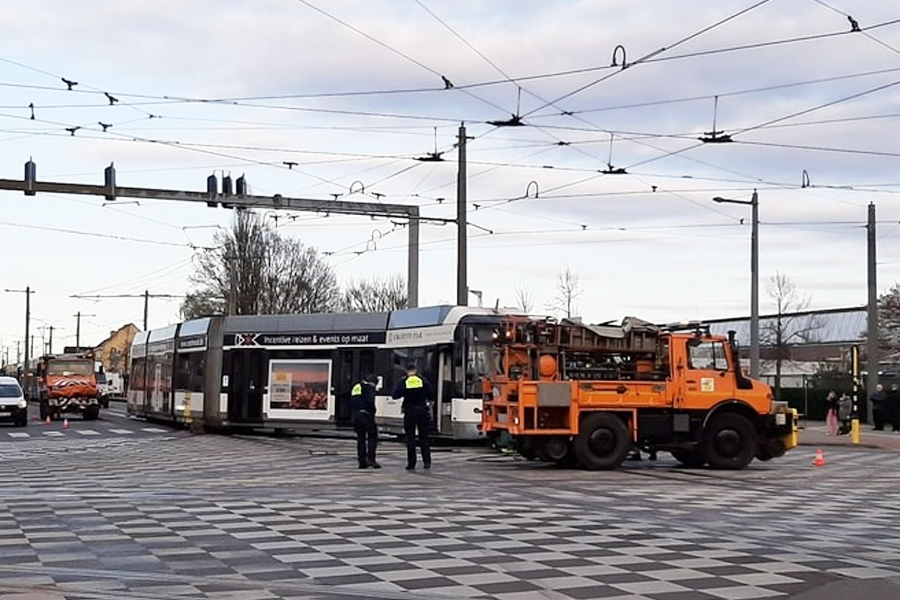 deurne leeft tram ontspoord august van de wielelei