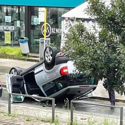 deurne leeft auto overkop az monica ongeval