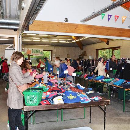 Deurne leeft gezinsbond deurne zuid rommelmarkt kledij